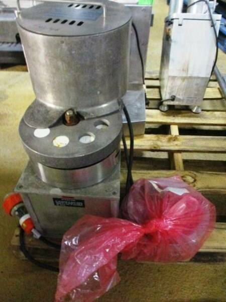 Nilma Commercial Meat Ball & Hamburger Forming Machine 05N005